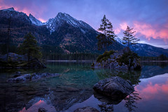 Morgens am See (Chris Buhr) Tags: hintersee bayern landschaft see lake morning sonnenaufgang outdoor berge mountains leica chris buhr spiegelung mirror alpen