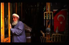 Beardman & turkish flag (Harry Szpilmann) Tags: istanbul streetphotography urban people portrait turkish muslim beard turkey turkishflag turquie estambul