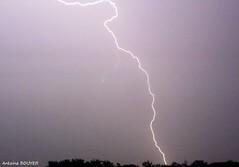 Eclair en pleine nuit lors d'un orage fort (antoinebouyer) Tags: orage strom nuit clair mto temps