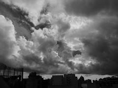 La primera borrasca del otoo (paramonguino) Tags: p1170972jpg1 santacruzdetenerife tenerife islascanarias canaryislands kanarischeinseln blancoynegro nube cielo monocromtico airelibre borrasca otoo