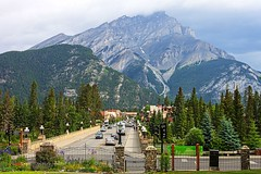 Banff Main Street (knnku) Tags: banff canada alberta 2016 knnku mountains rockies adventure parks outdoors explore travel kenniku