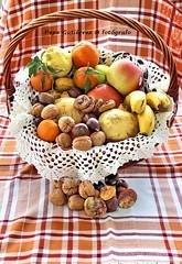 "FESTIVIDAD DE LA ""MOCHILA"" (CODIGO DE LUZ ""El Fotgrafo"") Tags: ceutalaperladelmediterraneo ceuta fiesta tradicin todoslossantos lamochila pgutierrez pepegutierrez cdigodeluz frutas frutossecos"