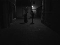 Venice 2016 - Italy (Enrico Zaccariello) Tags: blackwhite black white olympus em10 venice venezia italy italia talking street streetphotography people woman girl