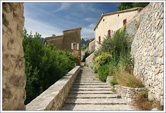Brantes, Provence (hjhoeber2) Tags: zeiss sony za carlzeiss variosonnar a700 sonyalpha variosonnartdt35451680