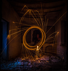 Prueba de LightPainting 2 (Vctor Sez) Tags: longexposure light lightpainting lana luz night canon dark painting de photography photo amazing cool spain long exposure flickr steel picture pic best murcia prueba 1018 incredible pintura fotografo acero fotografa increible 60d ulea canonistas 1018mm