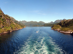 Entering the Trollfjord on a Tourist Ship (6) (Phil Masters) Tags: 21stjuly july2016 norwayholiday norway raftsund raftsundet thetrollfjord trollfjorden trollfjord wake