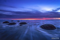 Moeraki Boulders at Sunrise (Nur Ismail Photography) Tags: newzealand moeaki boulders southisland pacific ocean tourist attraction otago beach seaside travel sunrise bluehour waves