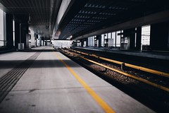 U-bahn snapshot #9 (desomnis) Tags: station ubahn vienna wien austria österreich donaumarina underground trainstation urban lines urbanlines 35mm sigma35mm canon6d canon desomnis street streetphotography nopeople