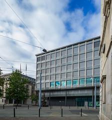 BNP_Paribas_2nd-3592 copie (carolinanegel@gmail.com) Tags: bank banques genève architecturalphotography architecture city cityscape geneva glass urban urbex