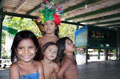 Tribo Flutuante Ipixuna, rio Solimes, AM (Gabriel Castaldini) Tags: brazil brasil kids tribe crianas tribo norte amazonas amaznia solimes riosolimes ipixuna triboflutuante triboflutuanteipixuna gabrielcastaldini