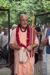 IMG_5474 (iskconmonk) Tags: festival prabhupada swami kartik prabhu brahmananda vrindavan iskcon swamiji sanyasi goshala iskconvrindavan