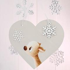 Winter Whispers Christmas heart gift (jac.cheekymonkeystudio) Tags: christmas christmasdecoration whimsical cute kidschristmas cutechristmas whimsicalchristmas animals whimiscalanimals deer fawn snowflakes snow