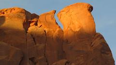 Monument Valley, Utah / Arizona, EEUU (Pablo F. J.) Tags: arizona usa utah nationalpark navajo sedimentary geomorphology parquenacional coloradoplateau naturallandscape monumentvalleynavajotribalpark siltstone semirido geomorfologa semidesierto paisajenatural sedimentario limolita espacionaturalprotegido cerrotestigo naturalprotectedarea relievetabular