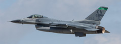 Airshow London 2016 - Falcon With a Sting (Jay:Dee) Tags: airshow london 2016 aviation aircraft airplane aeroplane fighter lockheed general dynamics f16 fighting falcon viper f16c ohio air national guard 180th wing