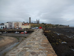 St Andrews from the pier, 2016 Sep 18 (Dunnock_D) Tags: uk unitedkingdom britain scotland fife standrews grey cloud cloudy sky sea northsea standrewsbay rocks beach eastsands pier harbour lowtide