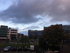 Woensdag 19 oktober  2016 (1.309) (gill4kleuren - 12 ml views) Tags: goodmorning good morning goede morgen goedemorgen clouds sky picture every day tree buildings work workplace shoot lente spring winter zomer summer herfst autum nederland leiden sunset rain wolken