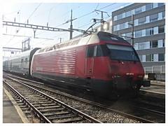 SBB CFF FFS, Re 460 057-3 (v8dub) Tags: sbb cff ffs re 460 057 3 schweiz suisse switzerland fribourg freiburg gare station bahnhof zug train trein treno railroad railway lokomotive locomotive loco lok bahn eisenbahn