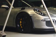 What a Porsche!! (Gustavo Campos - Onehunterr) Tags: brasil so paulo exclusivos cars porsche 991 911 gt3 rs liquid silver yellow calipers detail eurobike