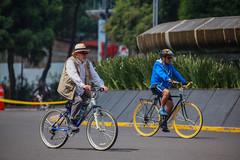 Any given Sunday 541 (L Urquiza) Tags: sunday stroll paseo dominical mexico reforma diana ciudad city