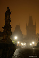 Charles Bridge in a Foggy Morning [0013] (cl.lin) Tags: nikon prague charlesbridge fog foggy bridgetower