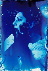 Cyanotype on glass, premiere (Frivolity2501) Tags: vintage vintagestyle pentax blue friend shooting gorgeous portrait woman alternativephotography alternativeprocess 19thcentury glass cyanotype
