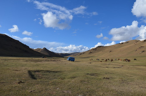 Blue van, Song-Kul, Kyrgzstan