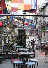 Szimpla Kert, ha nem foglalt (imgo the ill iterator) Tags: ruin bar budapest szimpla kert tourists erasmus europe avrupa evropa hungary magyarorszg hungria