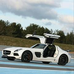 It's not just a car. It's a jet. #bestbuyet2000 #mercedes #mercedesamg #mercedesbenz #amg #performance #racetrack #supercar #Flikr (hanniballecter4) Tags: bestbuyet2000 flikr mercedesamg amg mercedes performance mercedesbenz supercar racetrack