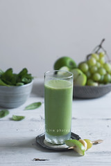 green smoothie (asri.) Tags: 2016 onwhite homemade foodstyling foodphotography fruitsvegetables 85mmf14