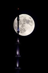 Supermoon 2016 (laverrue) Tags: 1wtc newyork nyc moon supermoon silhouette gothamist