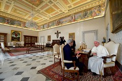 Secretary Kerry Sits With Pope Francis Before Their Meeting at the Vatican (U.S. Department of State) Tags: johnkerry vatican vaticancity popefrancis