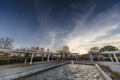 4168-2016-BR (elfer) Tags: paisajeurbano puestasdesol parques fuentes horaazul