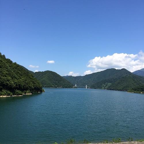 暑いぞーって思ったけど、湖からの風はひんやりしてて気持ちよかったよ