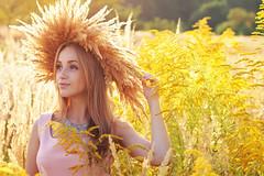 Dolce Vita-6 (Pavlo Kuzyk) Tags: flowers nature girl canon eyes pretty ukraine wreath blond blonde ivanofrankivsk