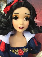 Snow White & The Witch Fairitale designer (Disney Dolls Fan) Tags: white snow fairytale store doll dolls princess witch prince disney land neige heroes blanche snowwhite limited edition hang villains disneystore hag poupe d23 sorciere