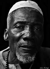 Musulmn Subsahariano (Luis Bermejo Espin) Tags: africa travel portrait sahara retrato islam subsaharianos religiones muslins corn musulmanes islamismo religionesdelmundo rostrosdelmundo retratosdelmundo luisbermejoespn mundoislmico rostrosdeafrica