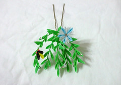 DSCF3682 (EruwaedhielElleth) Tags: flowers flower hair handmade fabric hana accessory tsumami kanzashi zaiku imlothmelui