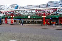 Central station Lelystad (Frans en Gerdi) Tags: station architecture nikon railway tokina flevoland lelystad 1224 d7100 tokinaaf1224mmf4