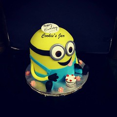 minion (virsingh77) Tags: cookiesjar cake minions cartoon kids fun