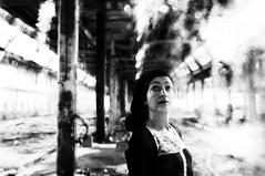 (Antonio Gutirrez Pereira) Tags: retrato antoniogutierrezfotografia dinamocoworking mirada mujer abandono arquitectura portrait vigo blanco blancoynegro blackandwhite