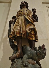 ca. 1515-1520 - 'St. George, from an altarpiece' (Meister von Rabenden), Upper Bavaria, Musée des Arts Décoratifs, Paris, France (RO EL (Roel Renmans)) Tags: 1515 1520 st saint georges george jorge san sint joris georg heiliger meister master maître de rabenden oberbayern upper bavaria haute bavière dragon alta baviera beieren meester harnas museo musee museum arts decoratifs decorative paris parijs armor armour armure renaissance harnisch rüstung slashes draak drago surcoat surcotte france german allemand deutsch sculpture tilleul bear paw sabaton