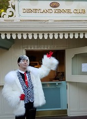Sean Brown as Cruella doing a little holiday shopping (Halloween in Oz) Tags: seanbrown cruella maleficent mickeyshalloweenparty2016 halloween halloweencostume