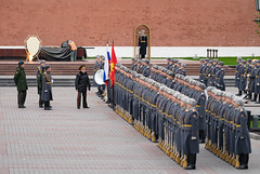 Burmese General @ Kremlin Military Ceremony (potterandrew1) Tags: kremlin moscow ceremony groundforces inspection militaryparade russianarmy russiansoldiers soldiers standingtoattention tomboftheunknownsoldier modernlife today