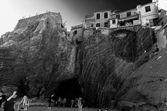 IMG_20160823_175742_DSC_3582-1 (TheGufotography) Tags: italy cinqueterre liguria unescoworldheritage riomaggiore blackandwhite bw city oldcity outdoor people mysterious rock