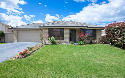 77 Clayton Crescent, Rutherford NSW 2320