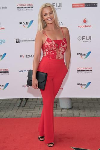 VMA-Red-Carpet-0917