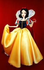 Applelutely Fairest (ozthegreatandpowerful) Tags: disney store disneyland shanghai grand opening limited edition snow white doll le designer 1200 seven dwarfs 1937 walt
