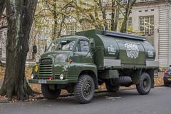 Flagon Wagon (Dai Lygad) Tags: lorry flagonwagon bedford stable