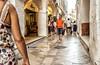 2206  Una calle de Ciutadella, Menorca (Ricard Gabarrús) Tags: calle street paso gente ciutadella airelibre arquitectura ricardgabarrus edificios ricgaba olympus