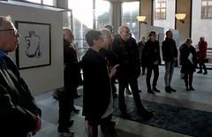 Decembersalongen (Ken-Zan) Tags: besökare vernissage kuben people motljus falkenberg art kenzan ljunghav